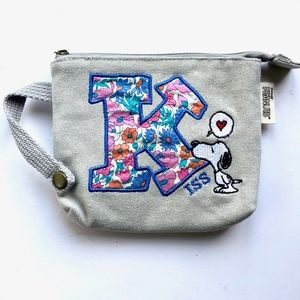 "Handbags - Peanuts Snoopy ""Kiss"" Wristlet"